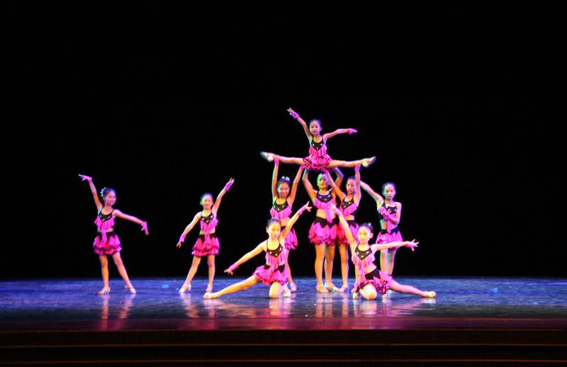 完整版小剧场歌舞团